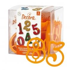 Πλαστικά Κουπάτ Μεγάλοι Αριθμοί Σετ 9 τμχ. της Decora 7,5 x 5εκ.