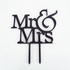 Black Plexiglass Topper Mr & Mrs 12cm. Design 1